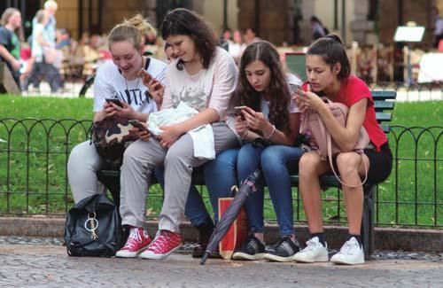 国产手机的大战略与盘外招
